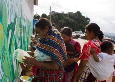 030 Mural colectivo La mano vuelta a la salud, Filomeno Mata, Veracruz